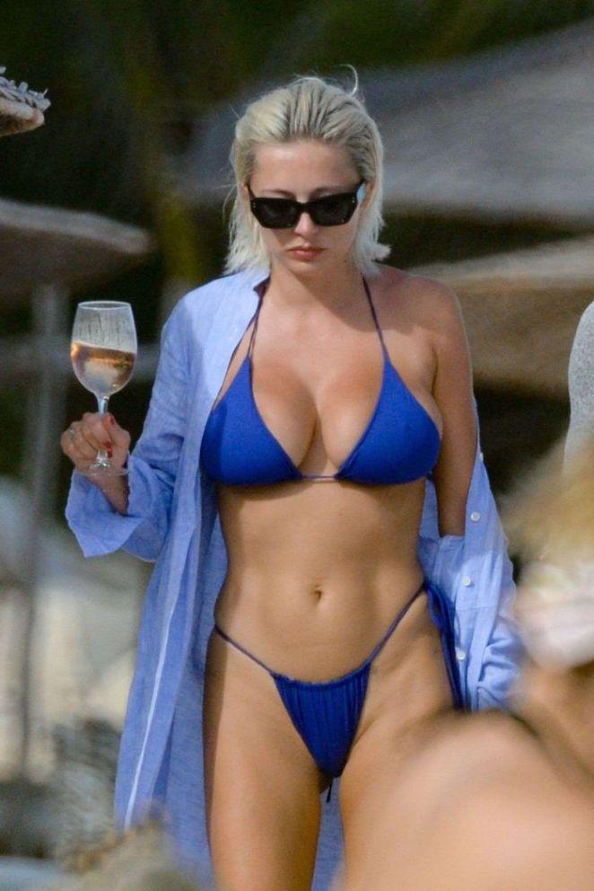Caroline Vreeland In A Blue Bikini At The Beach In Tulum