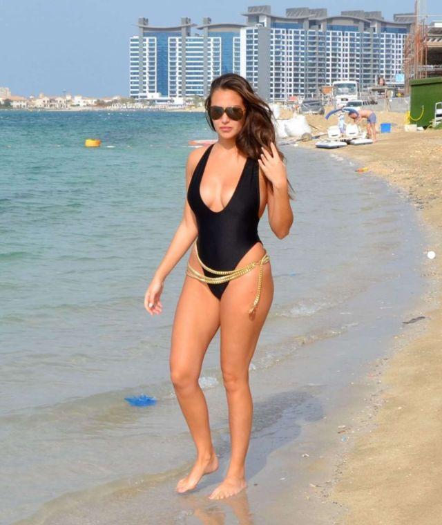 Gorgeous Chloe Goodman In A Black Swimsuit At The Beach In Dubai