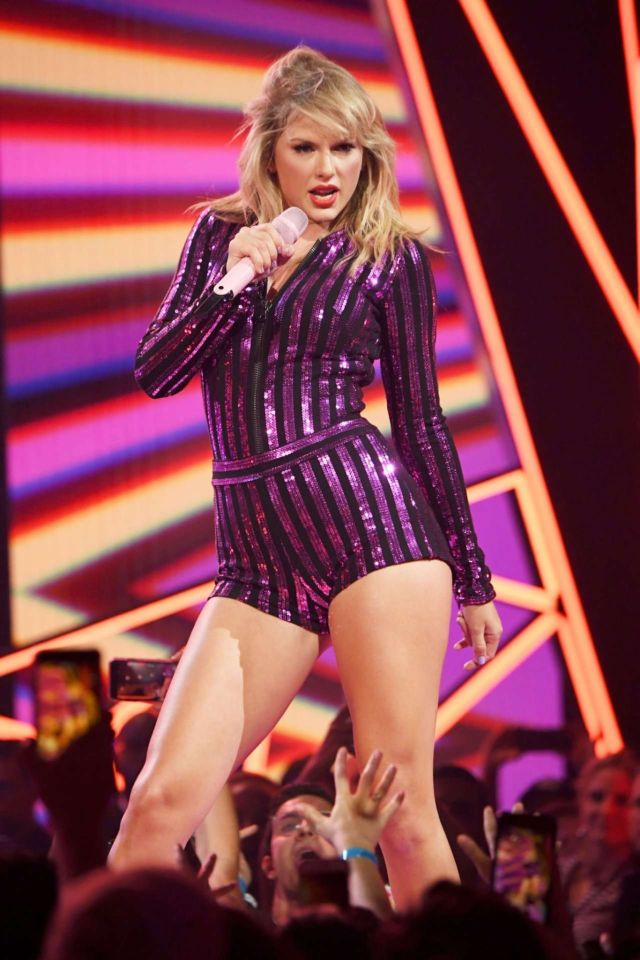Taylor Swift Leggy, Performs Live At Amazon Prime Day 2019 Concert