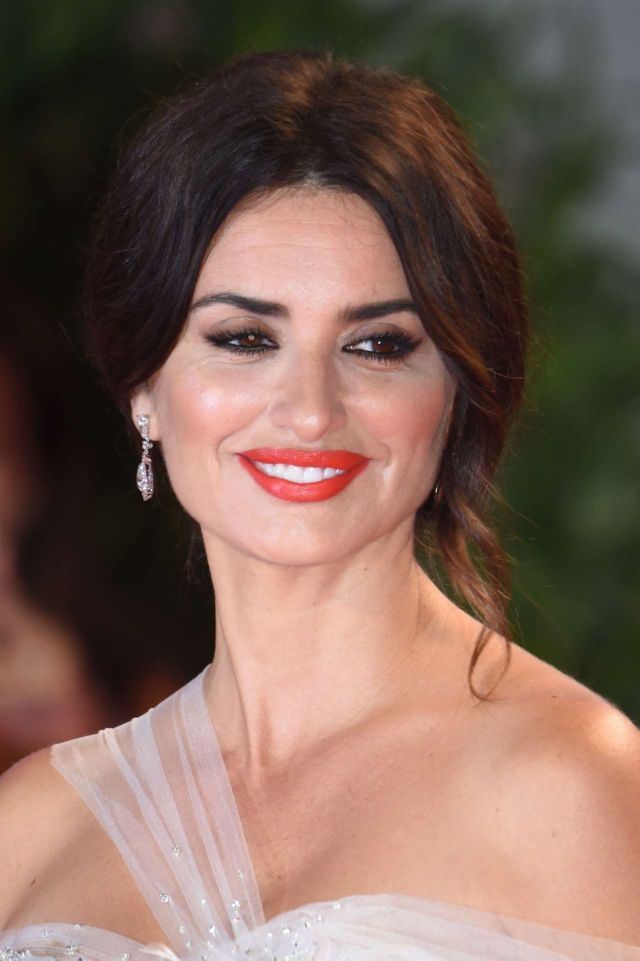 Gorgeous Penelope Cruz Attends The Screening Of 'Wasp Network' At Venice Film Festival