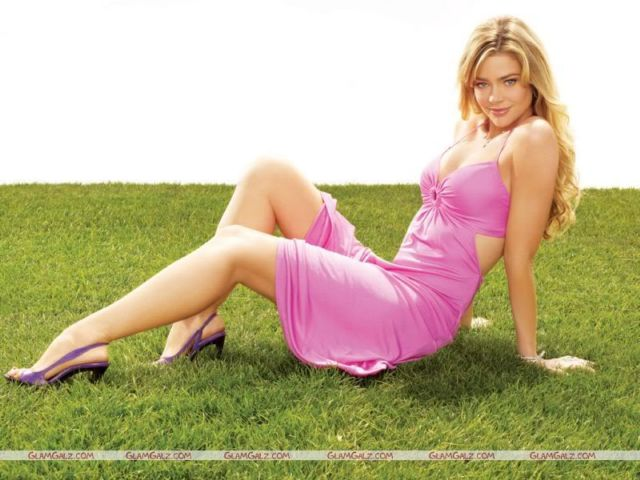 Click to Enlarge - Denise Richards Wallpapers