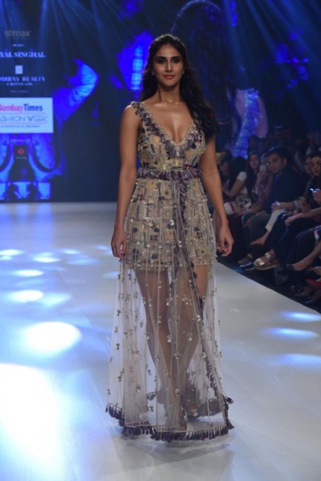 Stunning Vaani Kapoor Walks At Bombay Times Fashion Week 2019