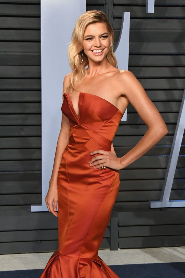 Kelly Rohrbach Graced The Vanity Fair Oscar Party 2018