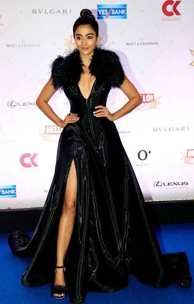 Pooja Hegde At The Hello! Hall Of Fame Awards 2018