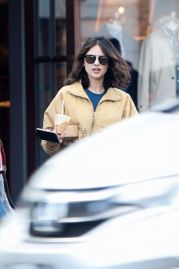 Eiza Gonzalez Goes Out For Lunch In Los Angeles