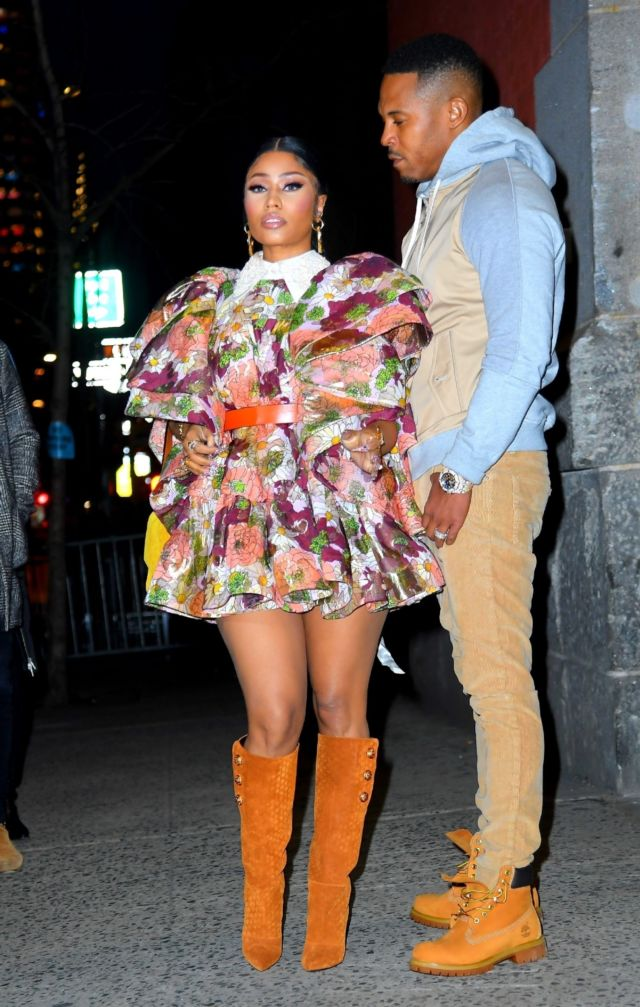 Nicki Minaj Arrives At The Marc Jacobs Fashion Show In NYC