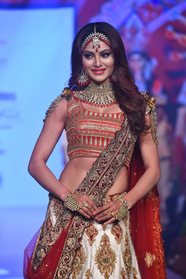 Beautiful Urvashi Rautela Turns Showstopper For Bombay Times Fashion Week 2020