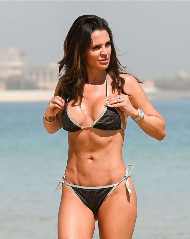 Danielle Lloyd Takes A Dip In Bikini At The Sea In Dubai