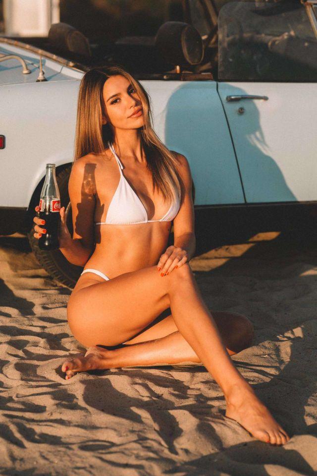 Beautiful Madison Reed In A White Bikini At The Beach