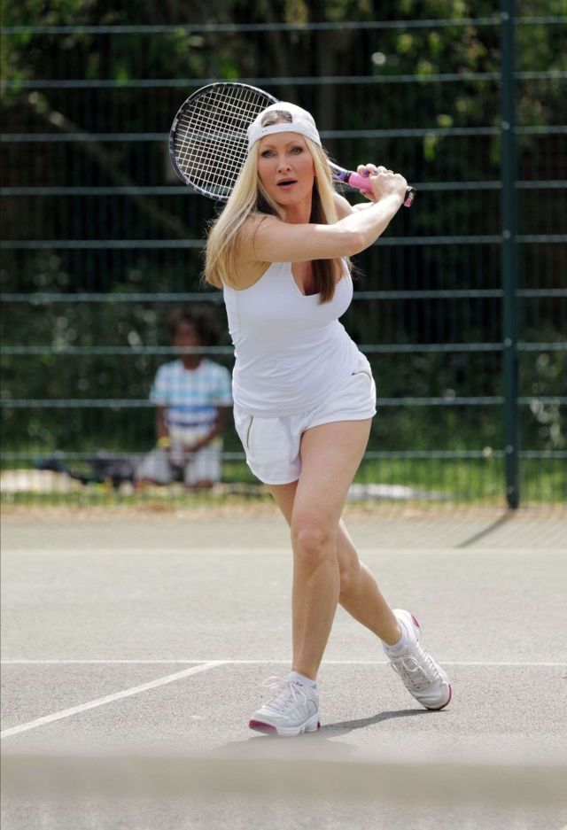 Caprice Bourret Playing Tennis At A Tennis Club In London