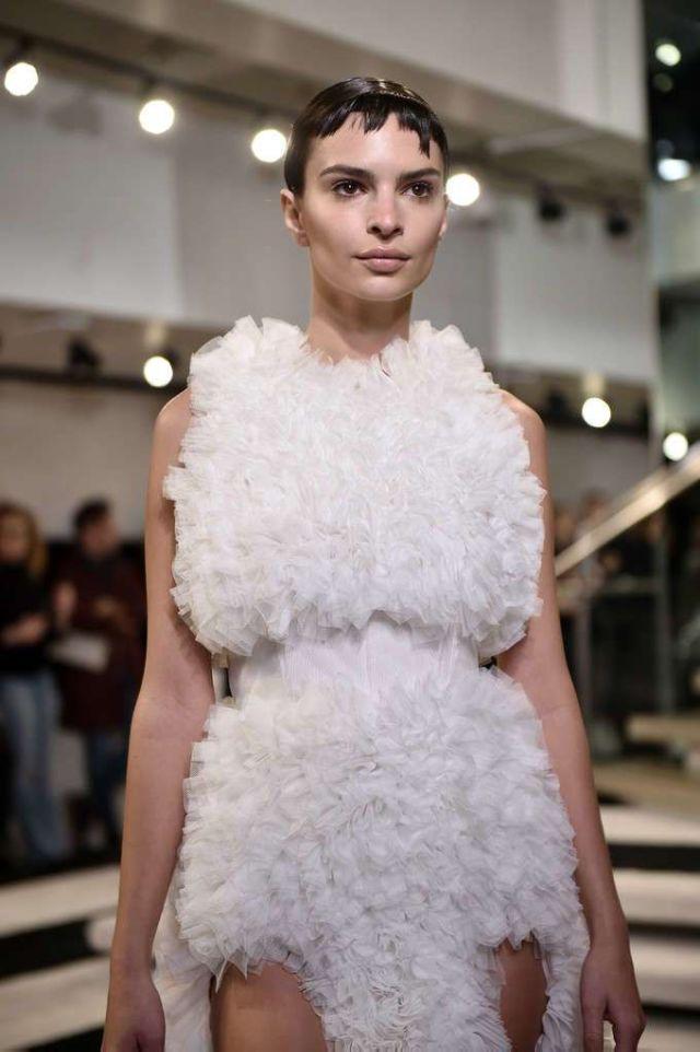 Emily Ratajkowski In A New Look At The Tomo Koizumi Fashion Show