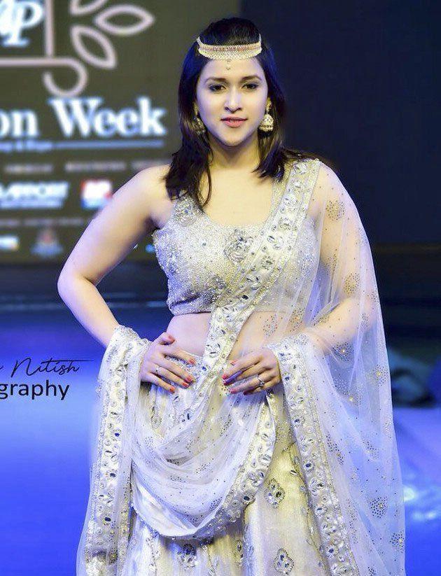 Mannara Chopra Was A Perfect Showstopper At AP Fashion Week
