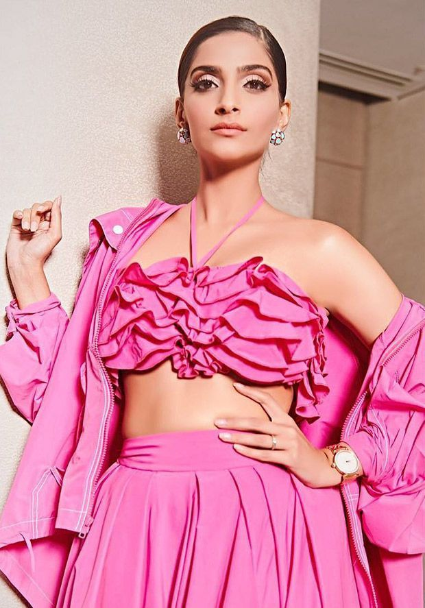 Sonam Kapoor Looks Pretty In Pink