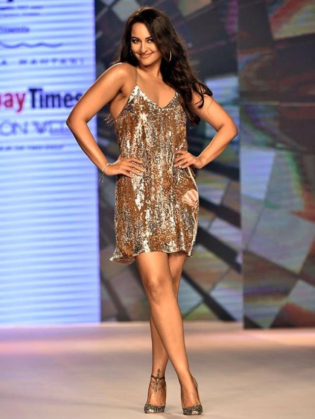 Sonakshi Sinha Is A Perfect Showstopper For Fashion Designer Nandita Mahtani