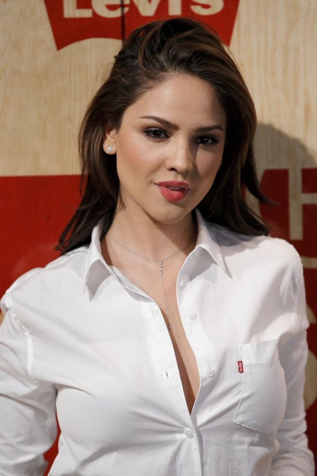 Eiza Gonzalez In White Shirt At Levi's Store Opening