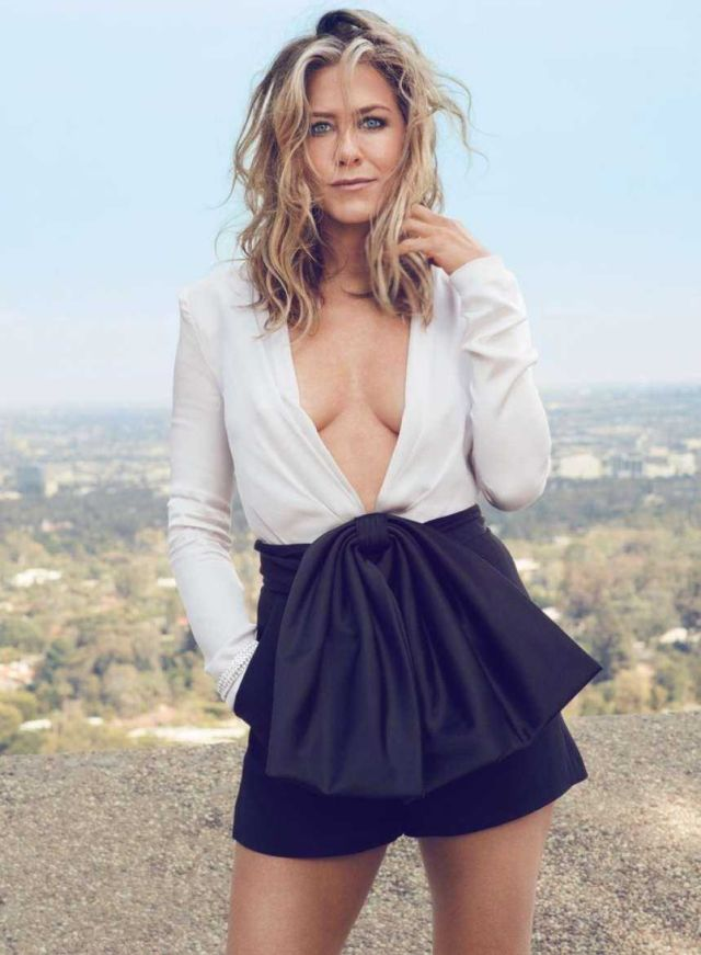 Stylish Jennifer Aniston Featured In InStyle Magazine