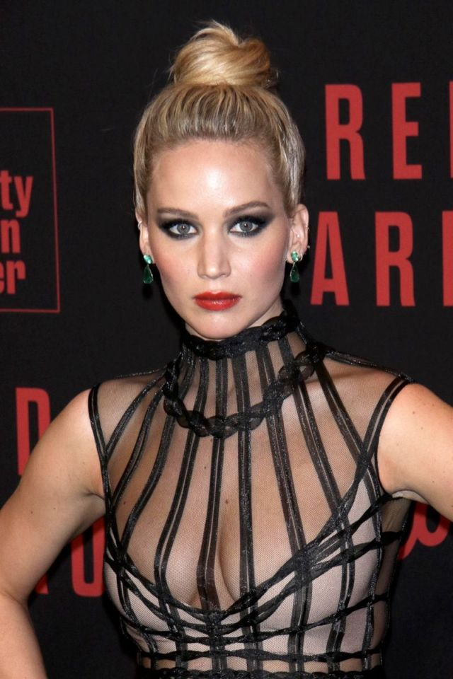 Jennifer Lawrence's Dramatic Look At 'Red Sparrow' NY Premiere