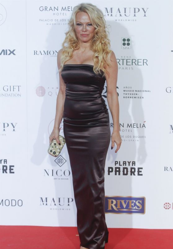 Pamela Anderson Attends 2018 Global Gift Gala
