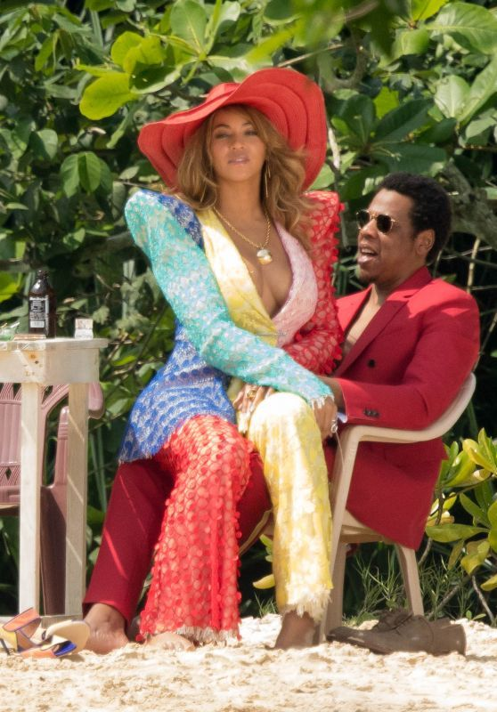 Beyonce Was Spotted With Jay-Z On The Beach