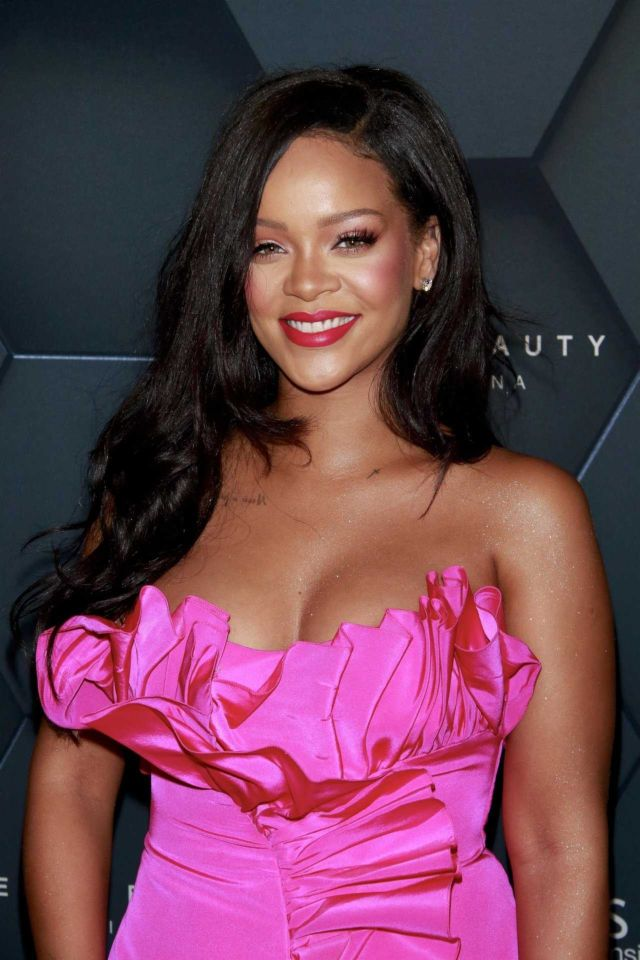 Rihanna Looks Gorgeous At Fenty Beauty One-Year Anniversary Party