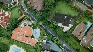 お金持ちの家は物が少ないこと説明記事のサムネイル