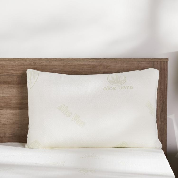 healthguard anti allergen pillow 70x45 cms