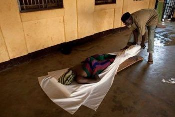 This photo, presented in accounts of the reported murder of Akinnifesi Olumide Olubunmi, previously appeared in 2013 in The Hindu of India with a caption describing it as showing Muslim funeral preparations for a man in the Central African Republic.