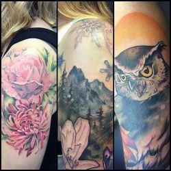 A few recent tattoos I hadn&rsquot posted. #flowers #mountians #owl #owltattoo #mountaintattoo #seasons #girlytattoo #softtattoo #owlsofinstagram  (at Broad Street Tattoo Parlour)