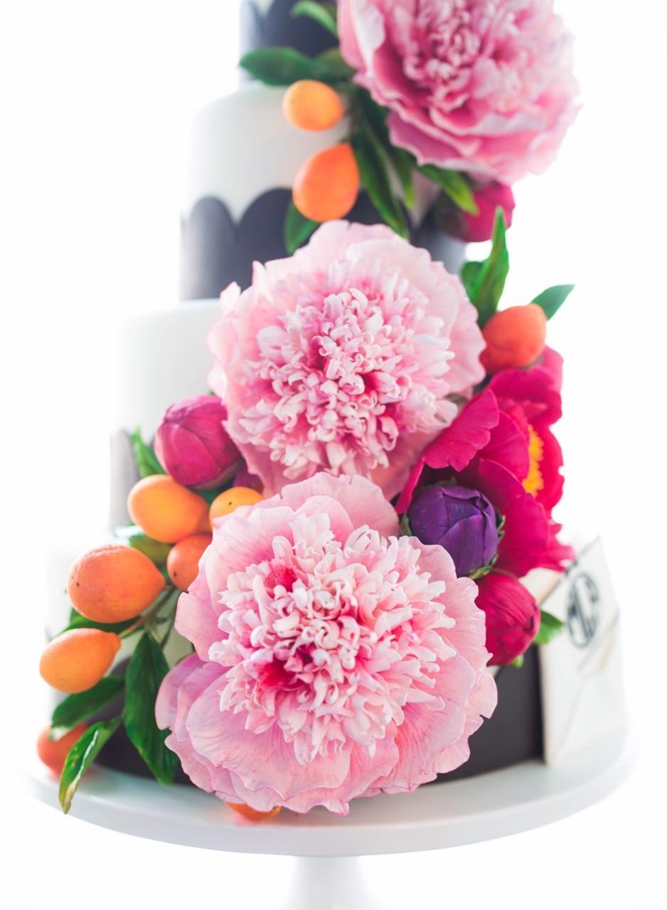 Sugar Flower Wedding Cake I Black and White Cake I Sugar Kumquat Wedding Cake I Monogram Cake I Preppy Cake I Mischief Maker Cakes #mischiefmakercakes #themischiefmaker #bemischievious #sugarflowers