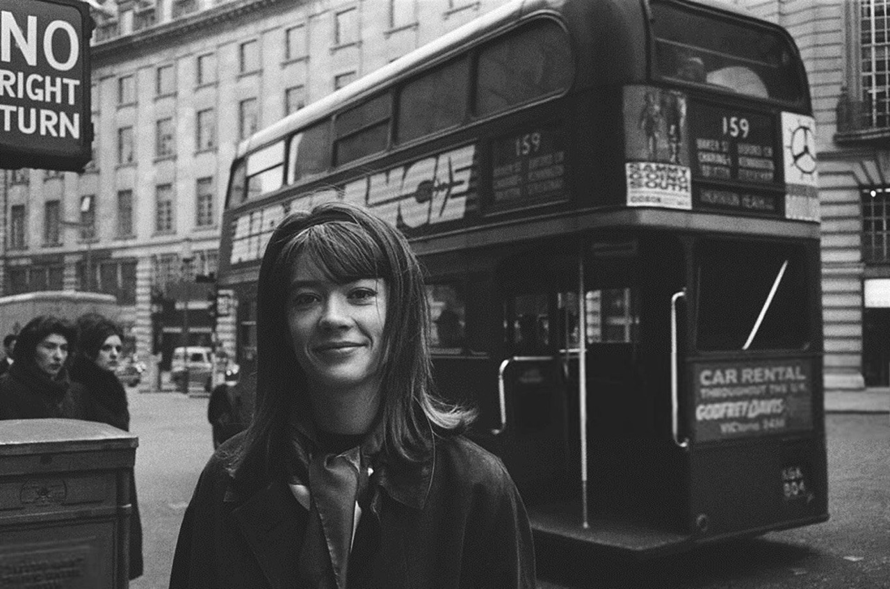 40 fascinating black and white photographs of Françoise Hardy in.