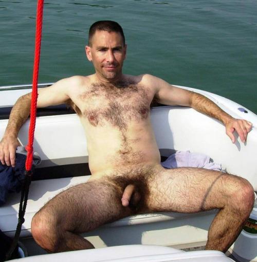 Looks like a dad on a boat to MEEEeeee…
