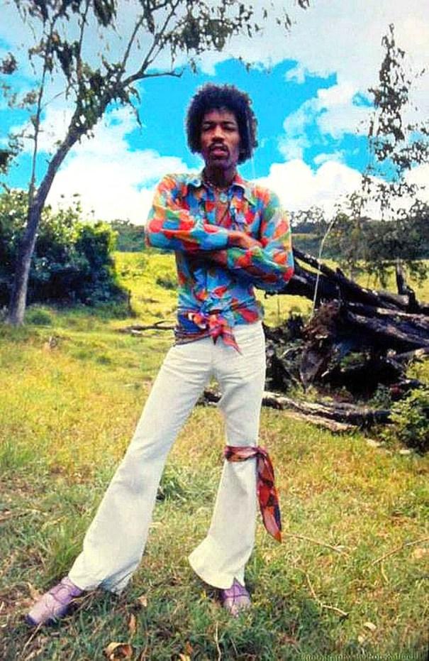 timeless design 3f3db 7d582 Jimi Hendrix in Hawaii, October 1968, by Ron Raffaelli