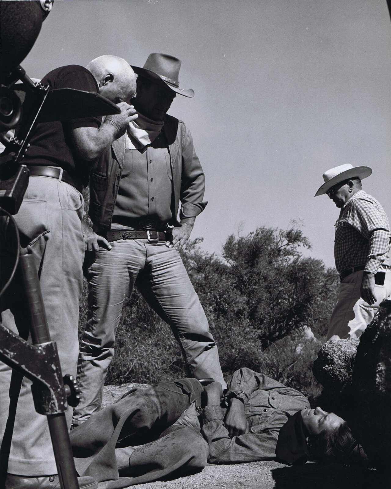 """Howard Hawks w/ an assist from the Duke setting up a shot for 'El Dorado' (1966). pic.twitter.com/Q5H4rgdJdf — James Hancock (@colebrax) August 21, 2015"""