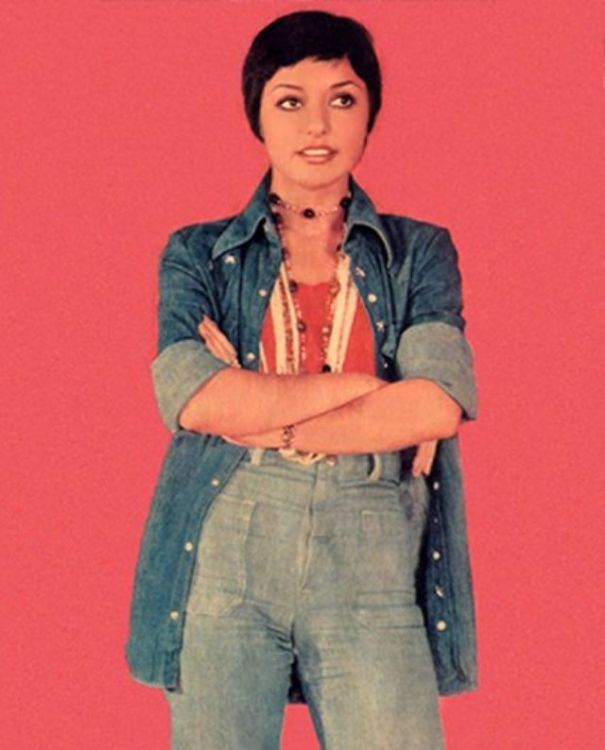 dd1f241886 40 fascinating color photographs of Googoosh, one of… – History