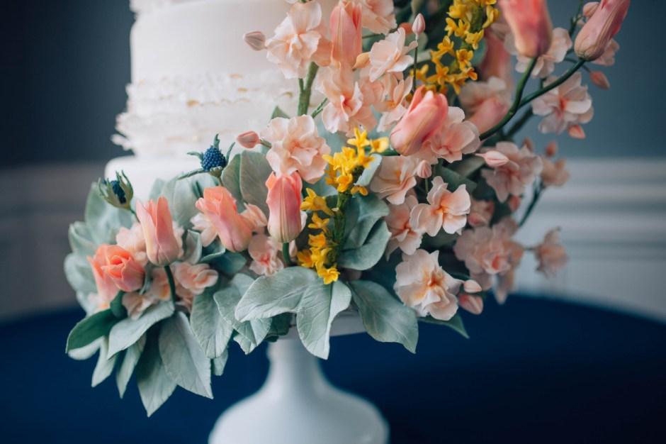 Kentucky Themed Wedding Cake I Sugar Flower Wedding Cake I Tulip Wedding Cake I Goldenrod Wedding Cake I Mischief Maker Cakes  #mischiefmakercakes #themischiefmaker #bemischievious #kentuckywedding