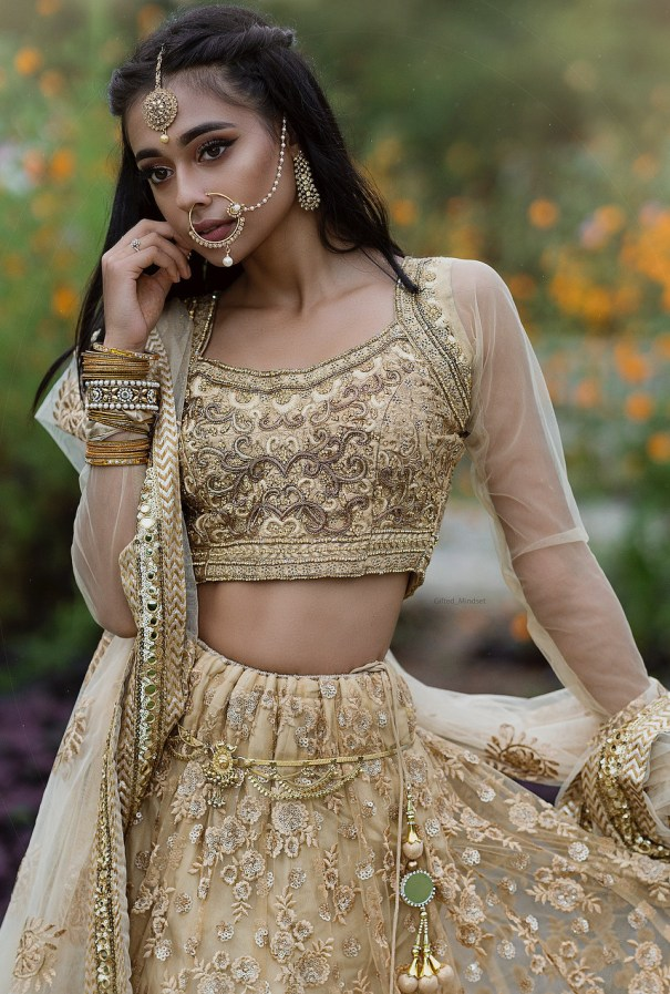 d57cfc1fdfd28 Anaya Pandey in Sabyasachi INDIAN WEARING 2K18 in 2019