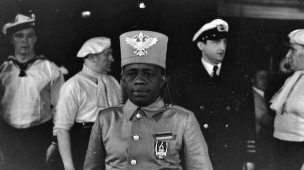 """7e1dc8901 Bayume Mohamed Husen on the set of the German Movie """"The Riders of German  East Africa"""" in 1934. He moved to Germany in 1929"""