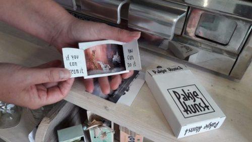 tumblr_p6nwjwekvr1qz6f9yo1_500 Art Dispenser, Pakje Kunst Random