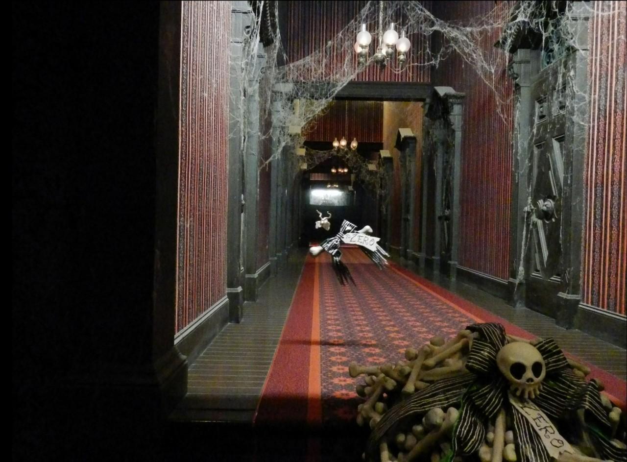 Haunted Mansion Backstage Disneyland S Endless Hallway