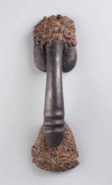 askun: ART: Carl KAUBA (1865-1922)_Poignée en bronze patiné représentant un phallus sur un sexe féminin- Signé et daté 1908 La leggenda del pene di bronzo sulla vagina di bronzo