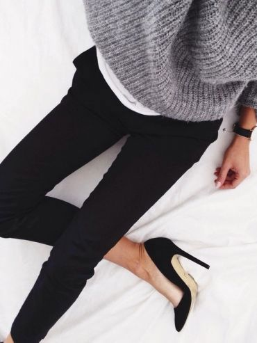 $43.12 Order these black heels »here« !