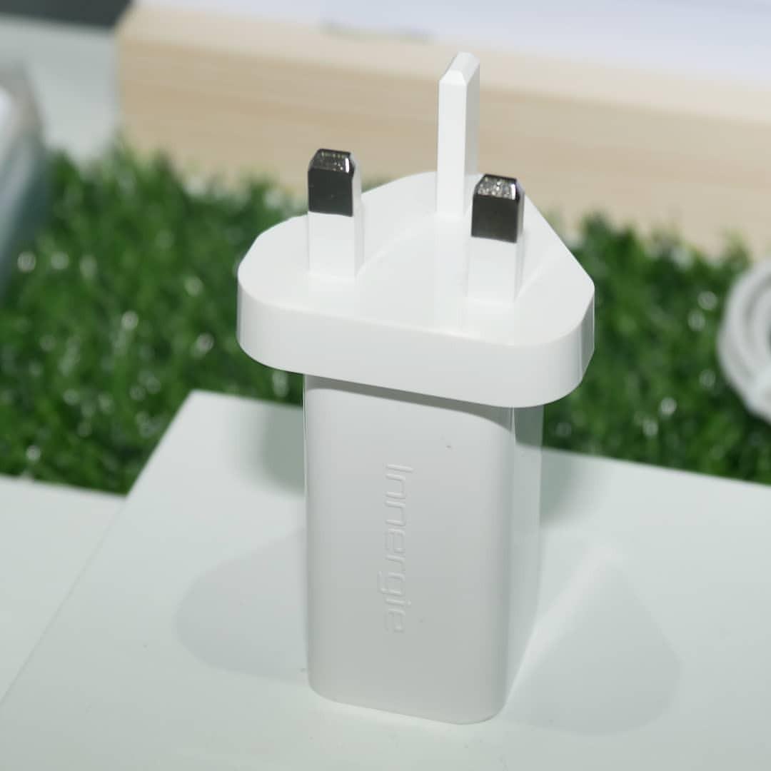 みんな大好きDeltaのブースで、「USB Type-C×2ポートはまだ誰も望んでないからねぇ」と言われたけど、望んでるよー。 (南港展覽館)