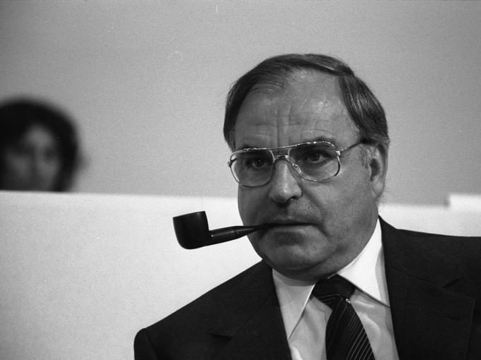 Former Chancellor Helmut Kohl has died, aged 87. Having led Germany for 16 years, he is remembered for reuniting the country..