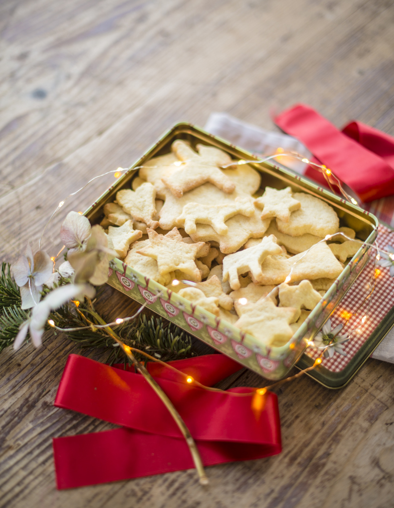 merry christmas everyone! make yourself comfortable with some christmas cookie cutters
