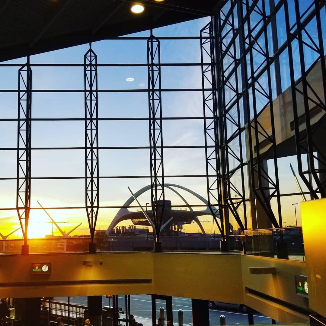 グッドモーニングアメリカ (LAX - Los Angeles International Airport)