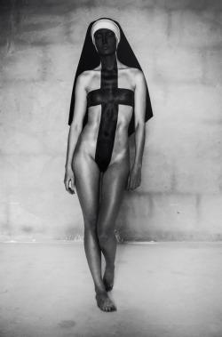 """sacrilicious:""""Do Not Lose Your Faith"""" by Nikita Ruzanov, 2011."""