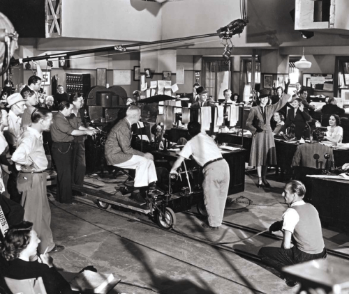 Howard Hawks on wheels directing Rosalind Russell in His Girl Friday (1940)