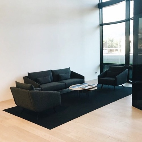 tumblr_pbai77FElA1qfx0suo1_500 stua:  STUA has just furnished the new factory of Irizar with... Contemporary