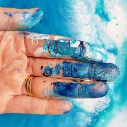 Camouflage finger art #artstudio.........#artistsofinstagram #artstudio #artstudio_post #australianartist #abstractart #abstract #perthisok#perthstyle #art #messypainting #messystudio #designs #ladyterezie #art_whisper #artwork_in_studio #perthcreatives #perthartist #blueandwhite #blues (at Coogee, Western Australia, Australia)