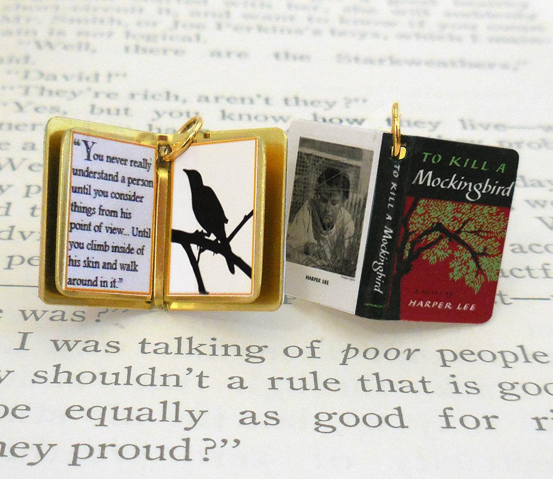 Culture N Lifestyle CNL Miniature Book Charms Showcase